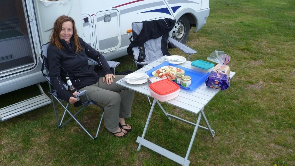 Abendessen auf dem Campingplatz Asbyrgi