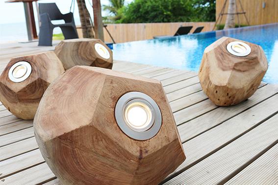 Bodenleuchte PENTA aus Holz - von O`thentique