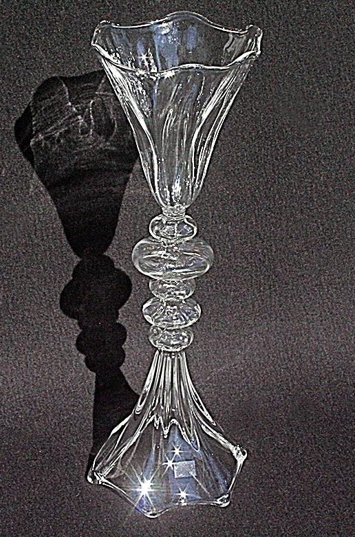 Goblet 3 aus Glas von Des Pots. Für die stilvolle Einrichtungsdekoration. Oder die perfekte Geschenkidee.