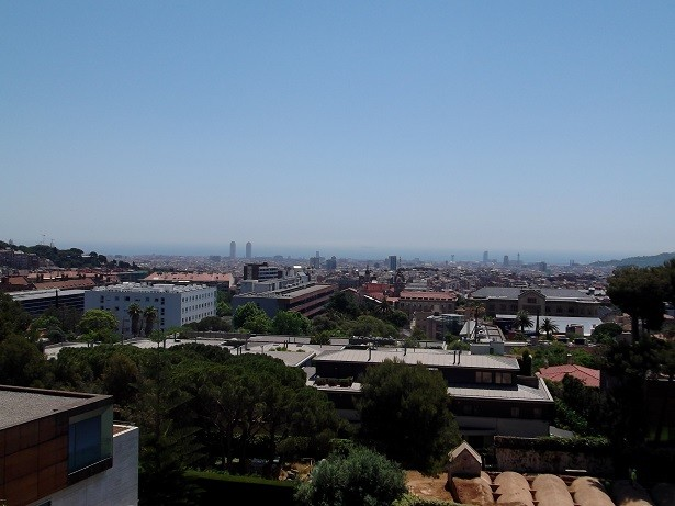 Blick Richtung Stadt und Meer