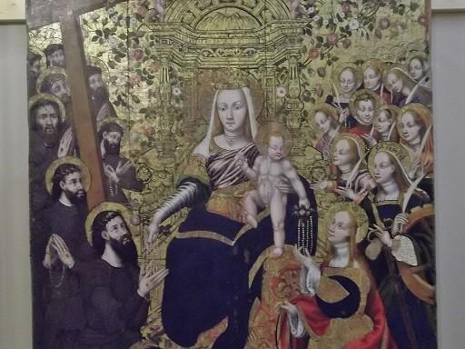 Viele Kunstschätze - wie diese gotische Madonna ...