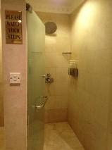 シャワールームは2か所