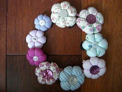 tutos couture fleurs en tissu le site pour apprendre coudre seul e. Black Bedroom Furniture Sets. Home Design Ideas