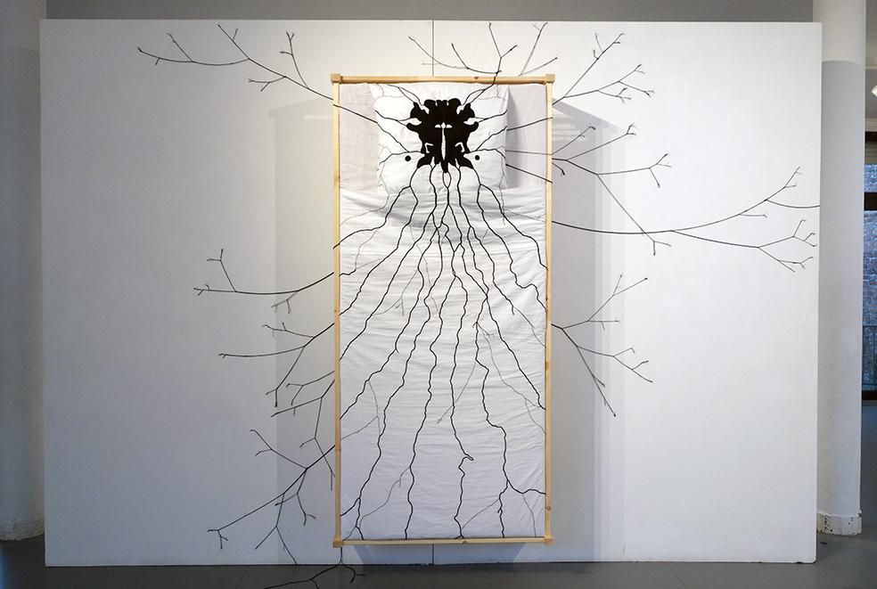 Vue expo Lasécu, 2017. Sur le rebord des araignées (NetB)