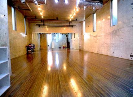 ダンスの練習に最適なレンタルルーム【RAISE UP STUDIO】