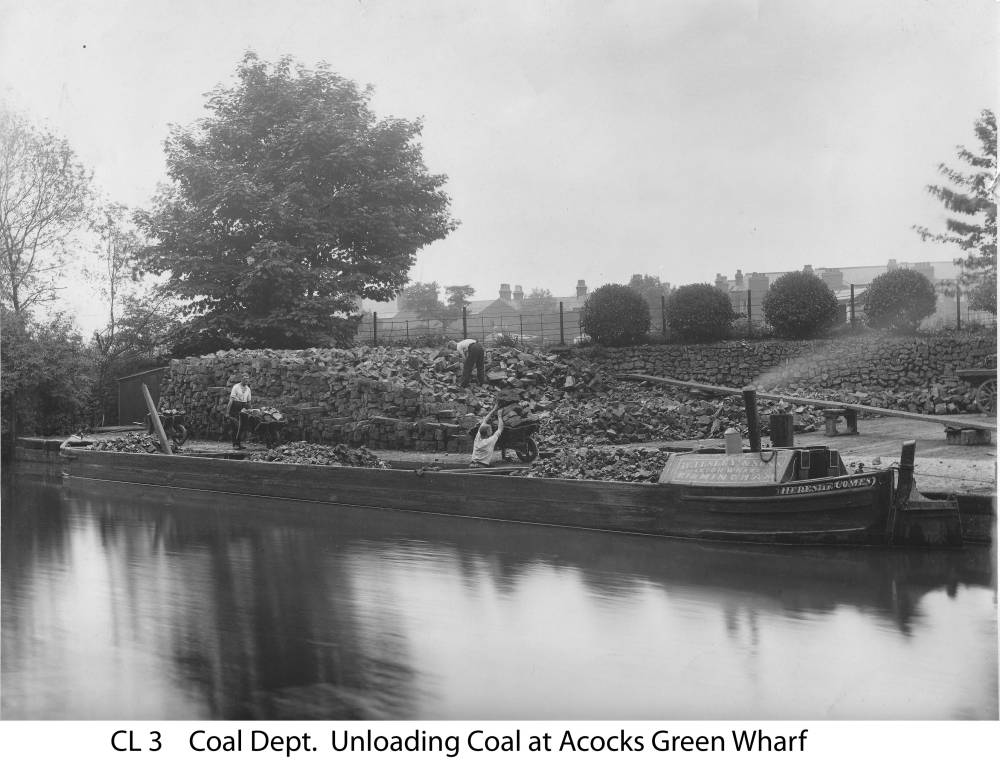 The boat Here She Comes at the Co-op's Yardley Road wharf. Copyright Central England Co-operative