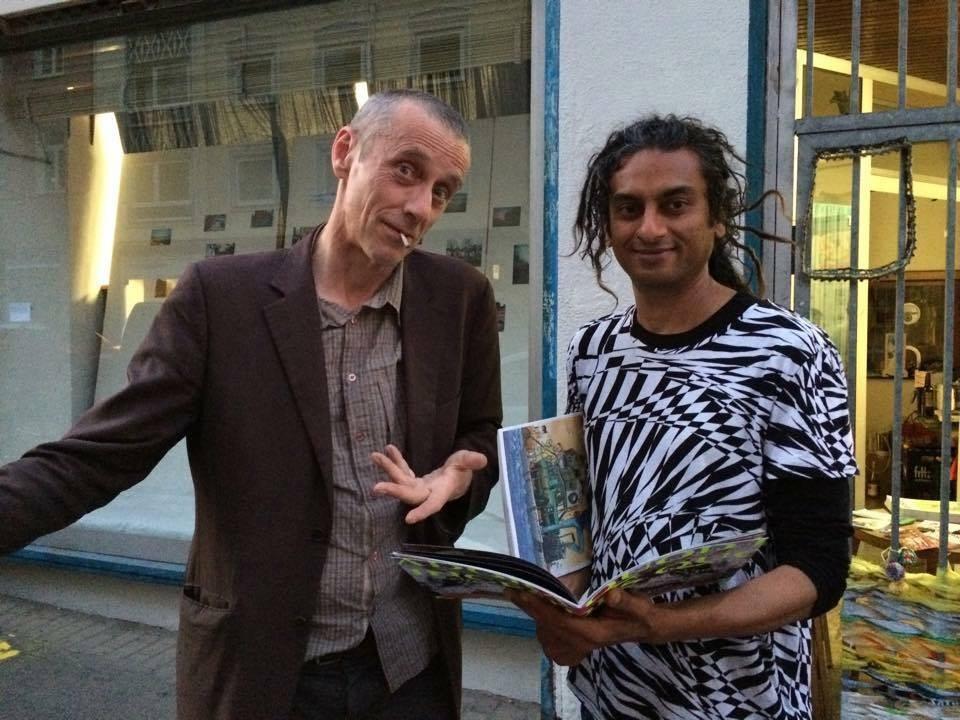 Graphzine Urgestein Placid (Paris) mit Fluxuskünstler Richard Williams (Frankfurt) / godfather of graphzines Placid (Paris) & fluxus artist Richard Williams (Frankfort)