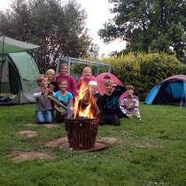 Spiel, Spass und Abenteuer im Camp Cool. (C) 2014 Bubig & Neumann Kreativ-Verlag GbR