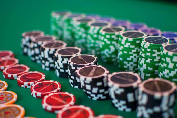 Comment organiser un tournoi de poker htc one memory card slot sprint