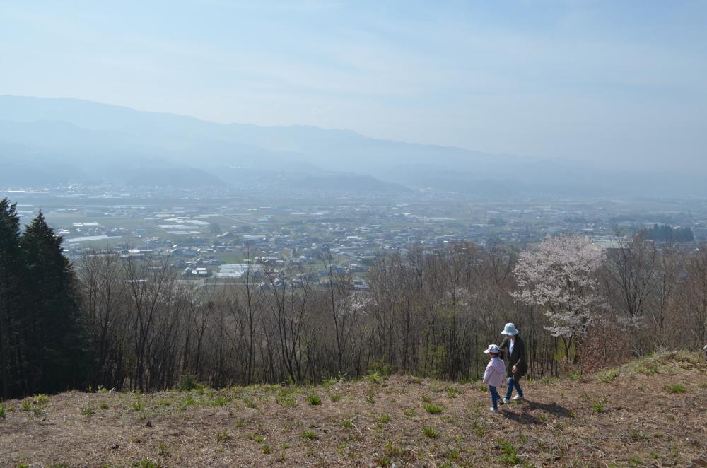 松岡城址から眺める伊那谷天竜川方面