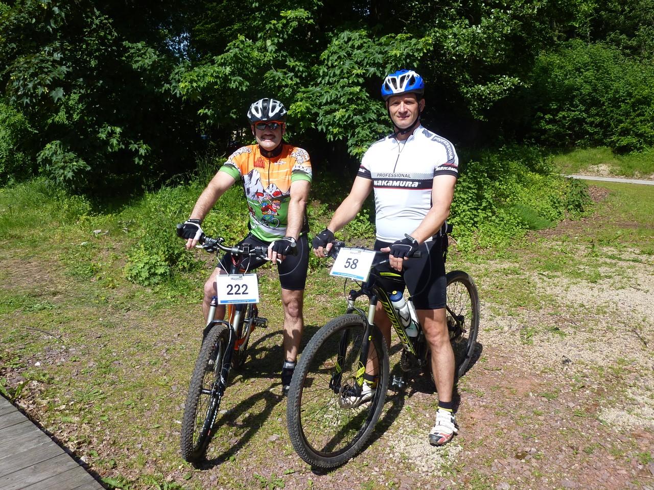 Zwei gewichtige Biker