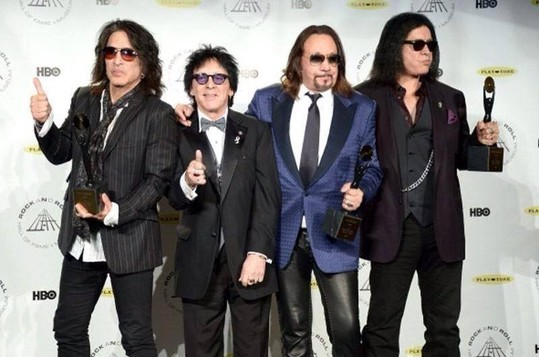 KISS ROCK AND ROLL HALL OF FAME