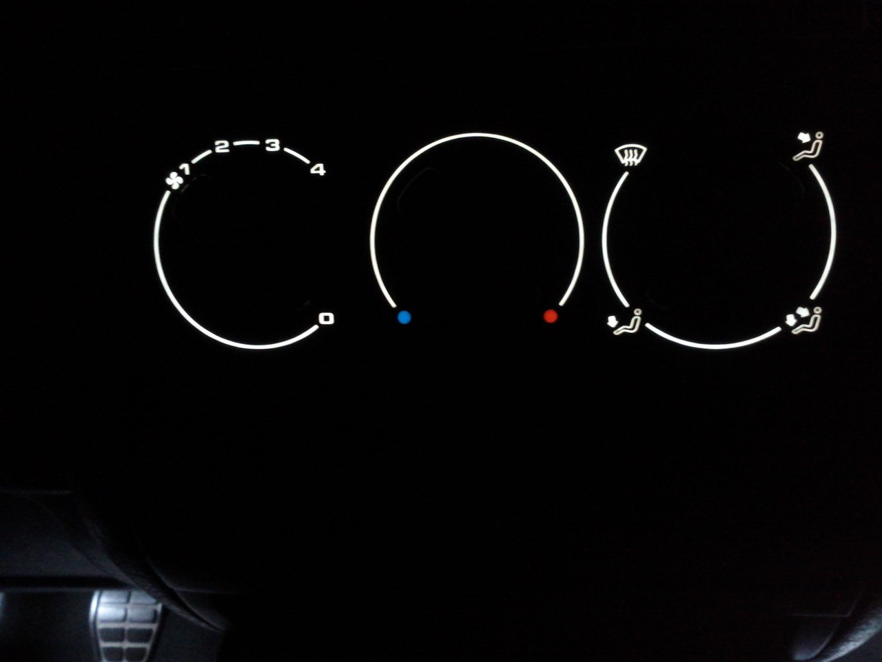Golf III Instrumententafel beleuchtet mit EL-Folie weiß