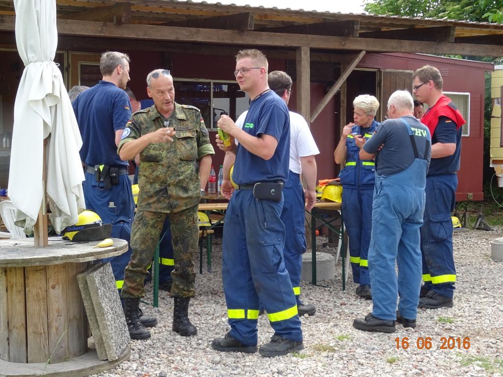 Aufbau Mobilheim 45 Teampartner-Hund-Hoya e.V.