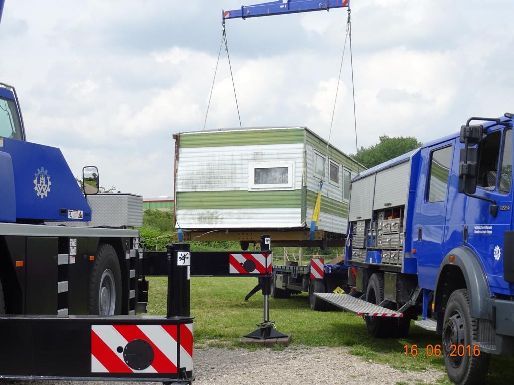 Aufbau Mobilheim 22 Teampartner-Hund-Hoya e.V.