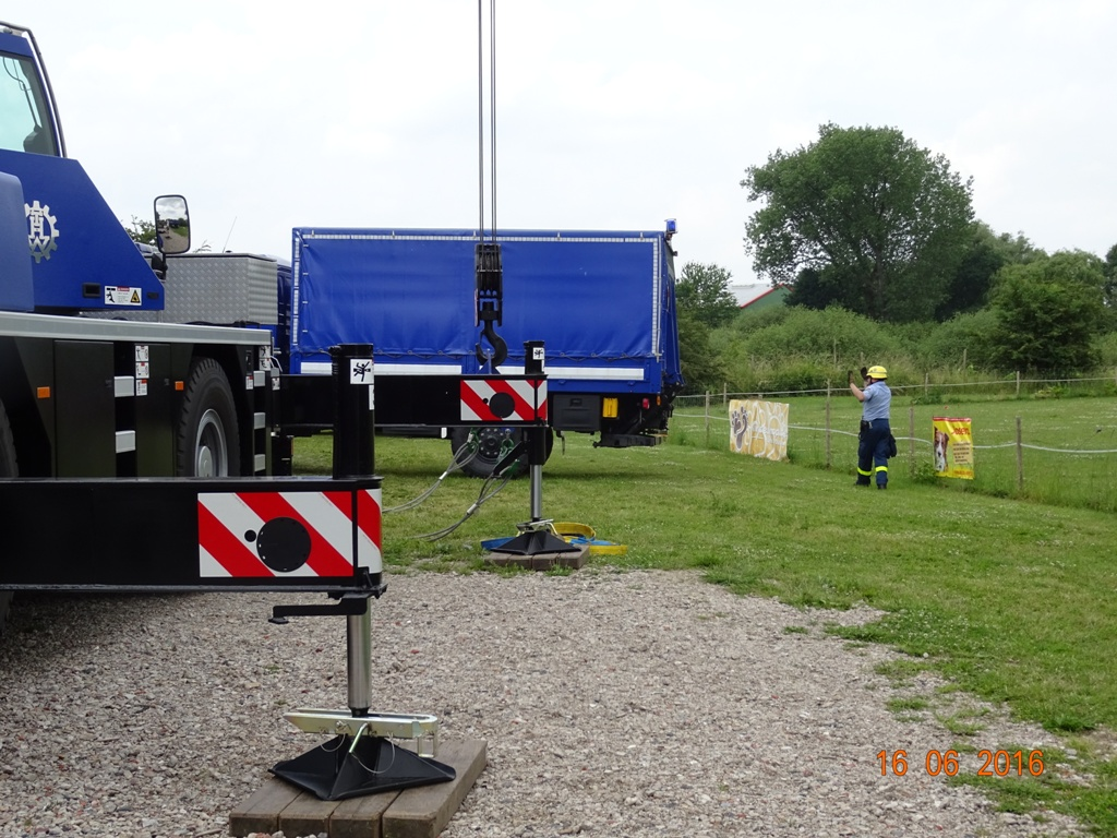 Aufbau Mobilheim 8 Teampartner-Hund-Hoya e.V.