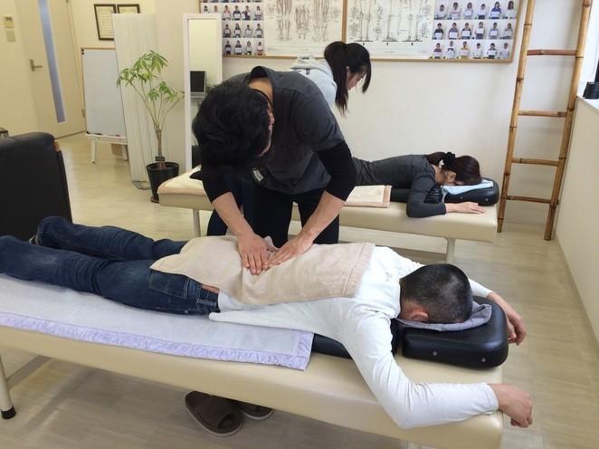 整体師コース 腰腸肋筋への手技