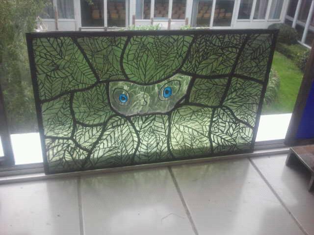 The secret of the kells. Techniek : glas in lood, brandschilderen (dit object is tijdens mijn opleiding gemaakt)