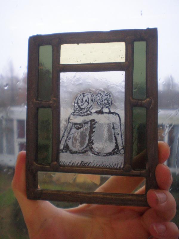 Voor altijd samen. Techniek : glas in lood, brandschilderen (dit object is tijdens mijn opleiding gemaakt)