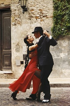 """An welchem Wochentag findet seit Jänner 2019 unser neuer Tanztreff für alle Fans der wohl sinnlichsten Tanzart: """"TANGO ARGENTINO"""" statt?"""