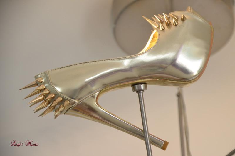 LED Schuhleuchte, LED Schuhlampe, Pendelleuchte, Pendellampe, Light Heels