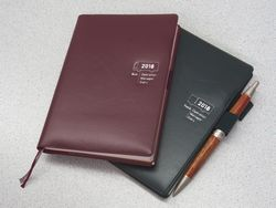 ※手帳にペンは付属していません。