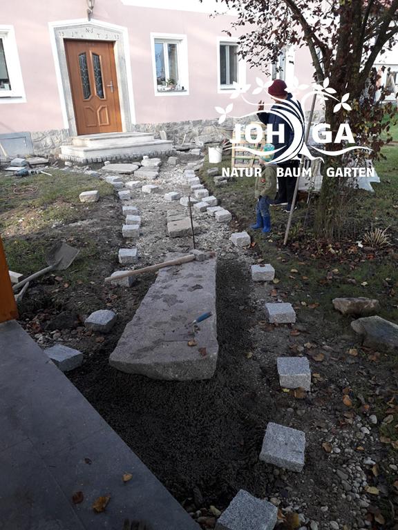 Einbau von verschiedenen Steinelementen
