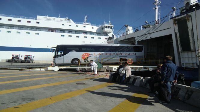Ausschiffung in Neapel