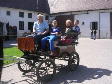 Wagonette , bis zu 4 Erwachsene können mitfahren.
