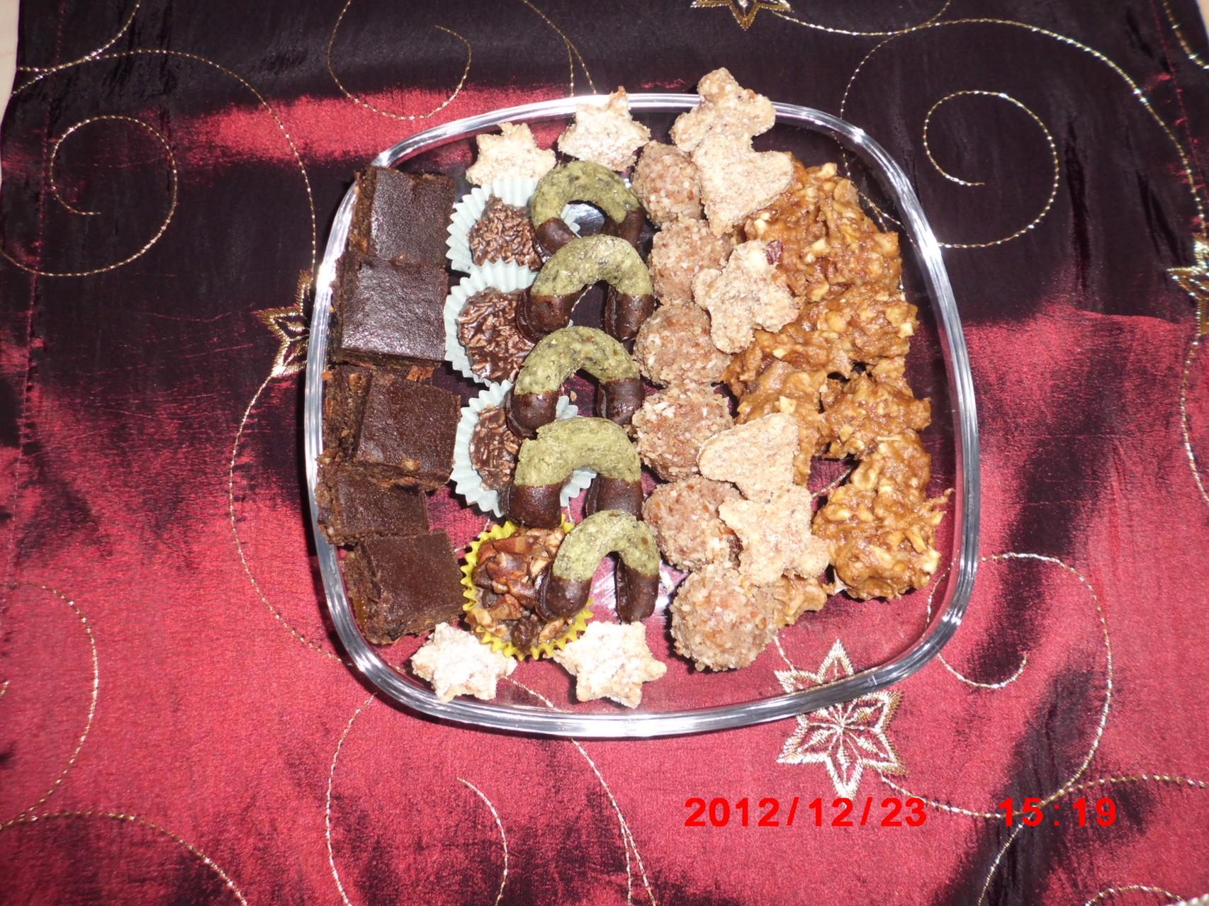 Rohköstliche Weihnachtskekse