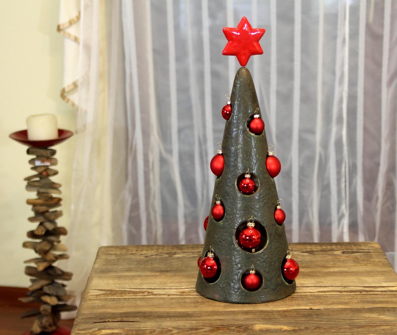 Weihnachtsdekoration, Tannenbaum, Keramikbaum handgefertigt