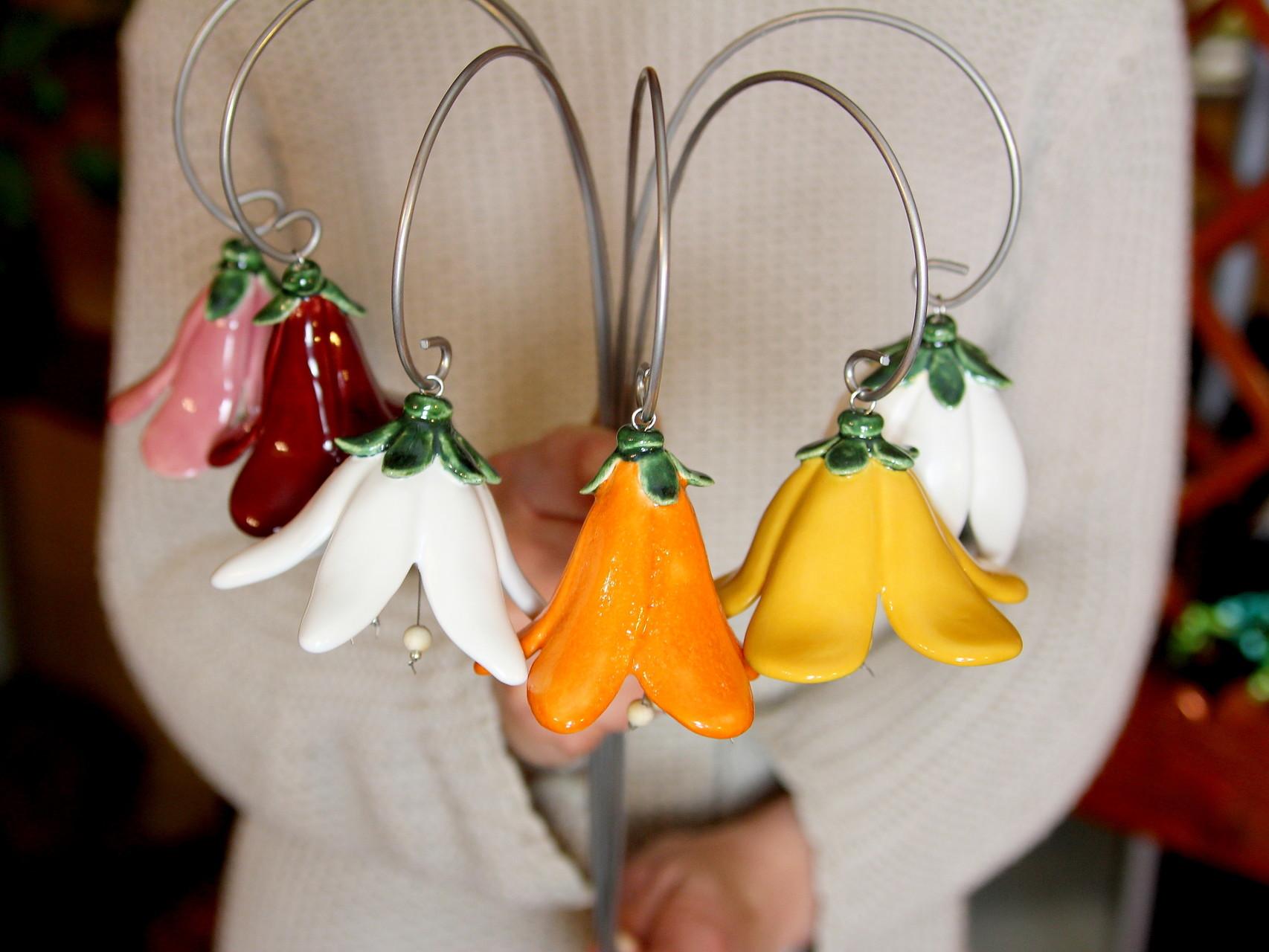 handgefertigte Glockenblumen, Skulptur