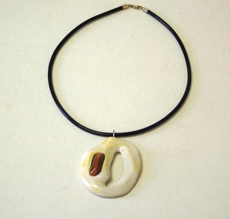 Künstlerkette (Keramik glasiert mit Edelstein, Lederband und Silber)