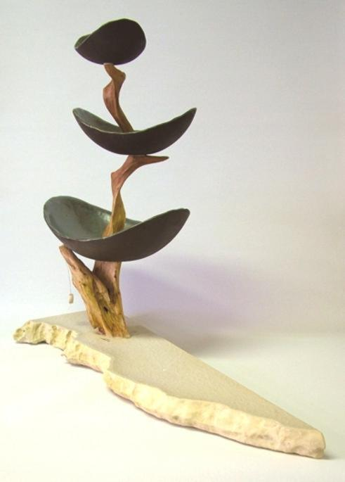 Etagere (Keramik glasiert, Holz, Natursteinplatte)