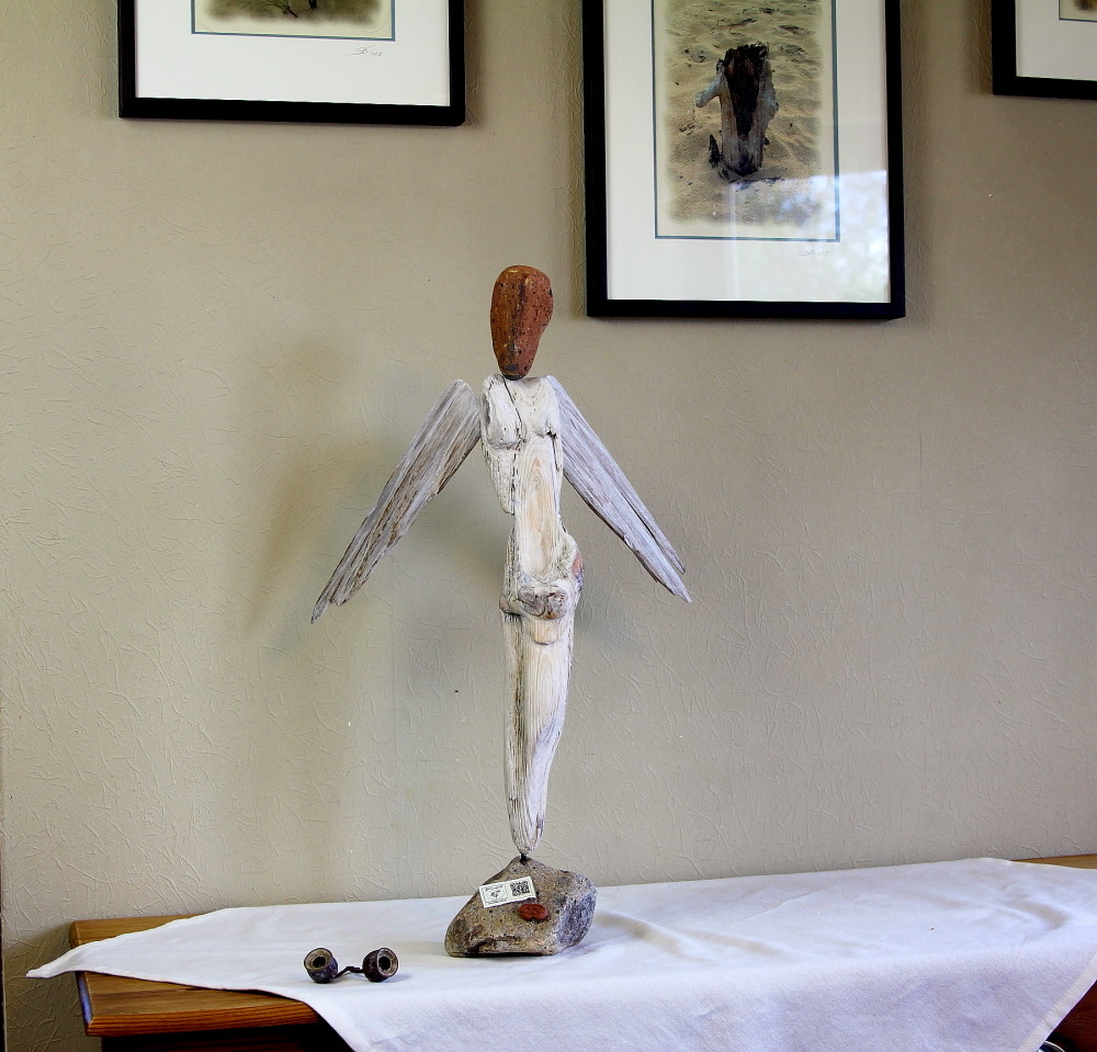 """Skulptur """"Engel"""" aus Treibholz gefertigt"""