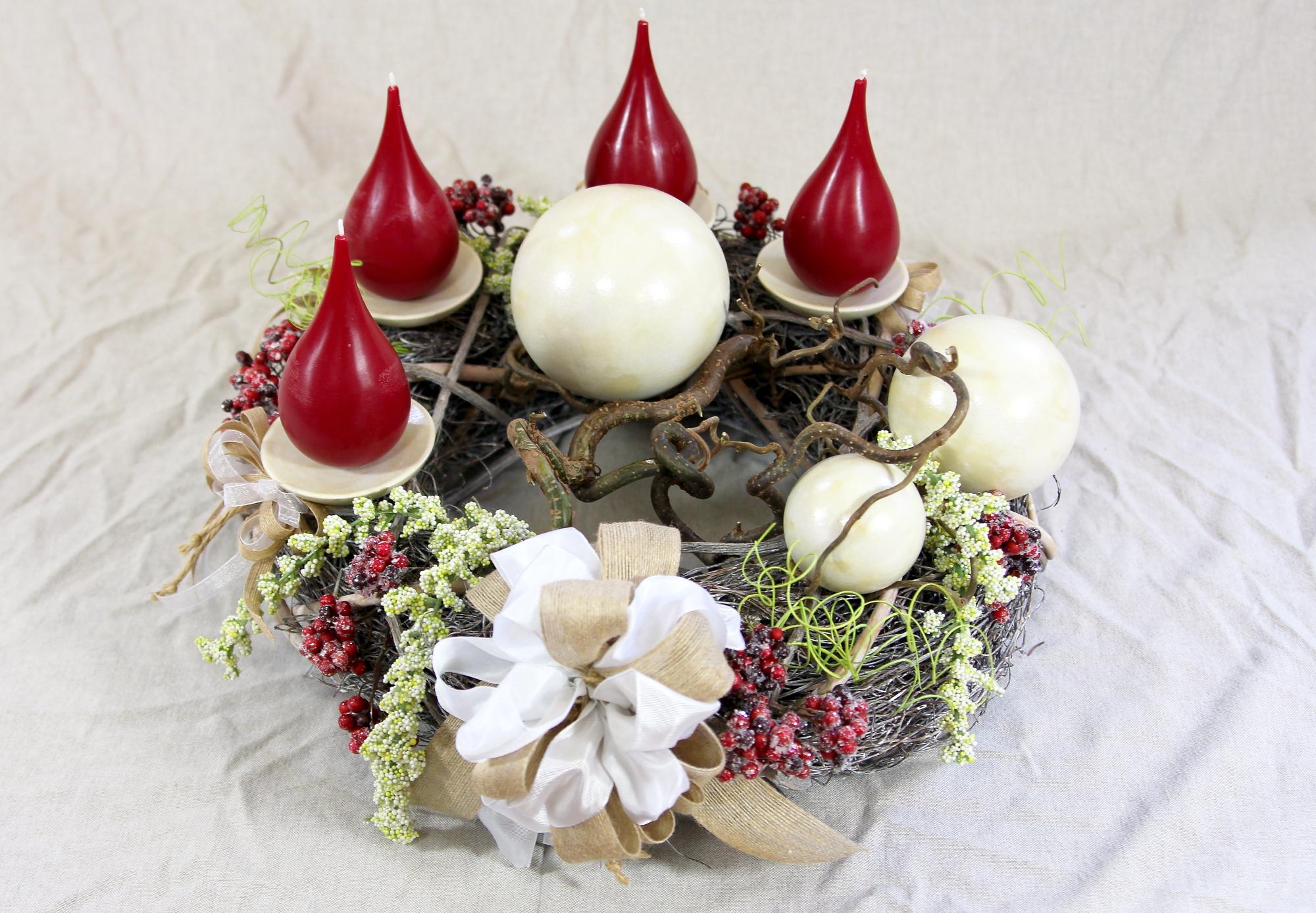 Adventskränze, Weihnachtskränze