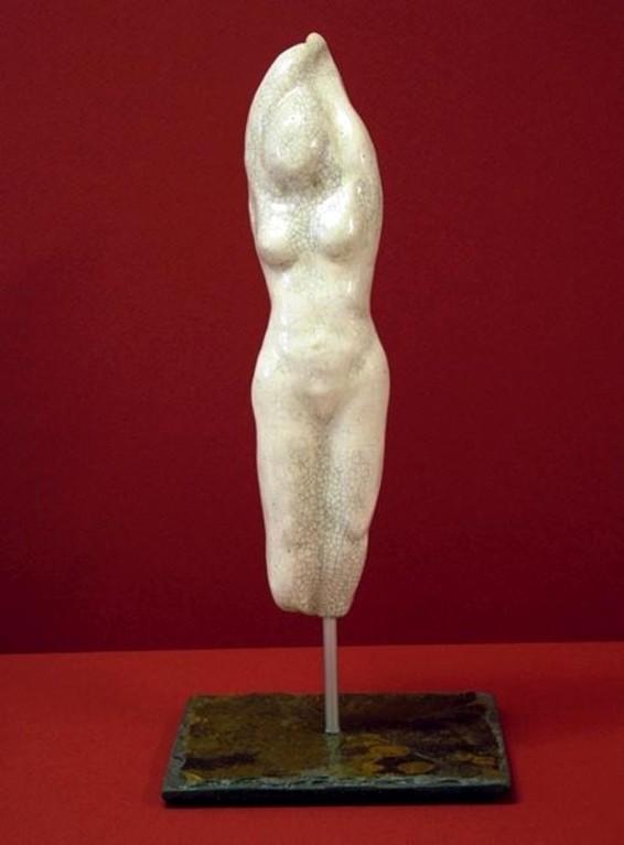 "Plastik ""Torso 1"" (Keramikarbeit auf Natursteinsockel)"