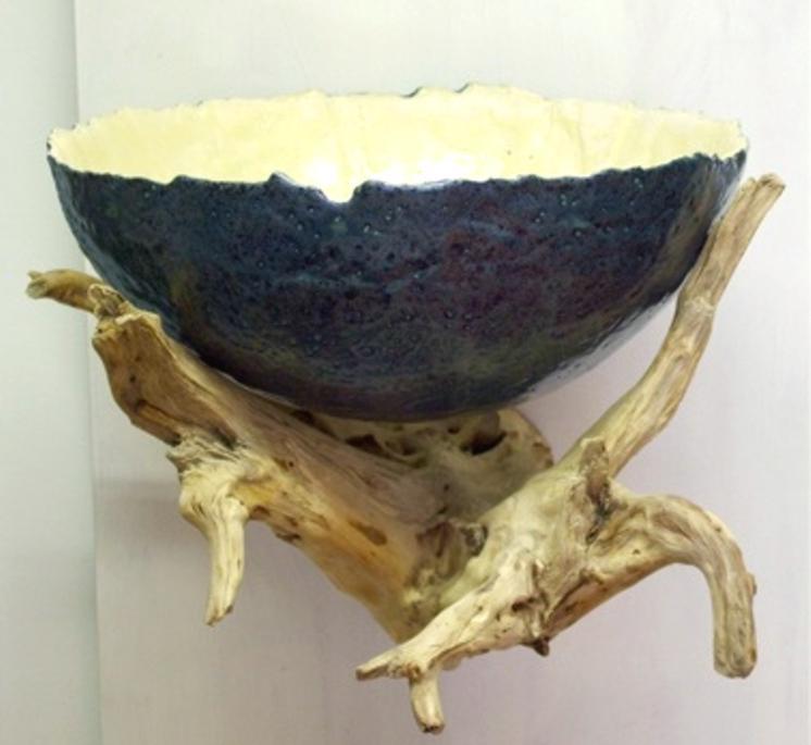 Wandhängende Schale (Keramik glasiert, Wurzel)