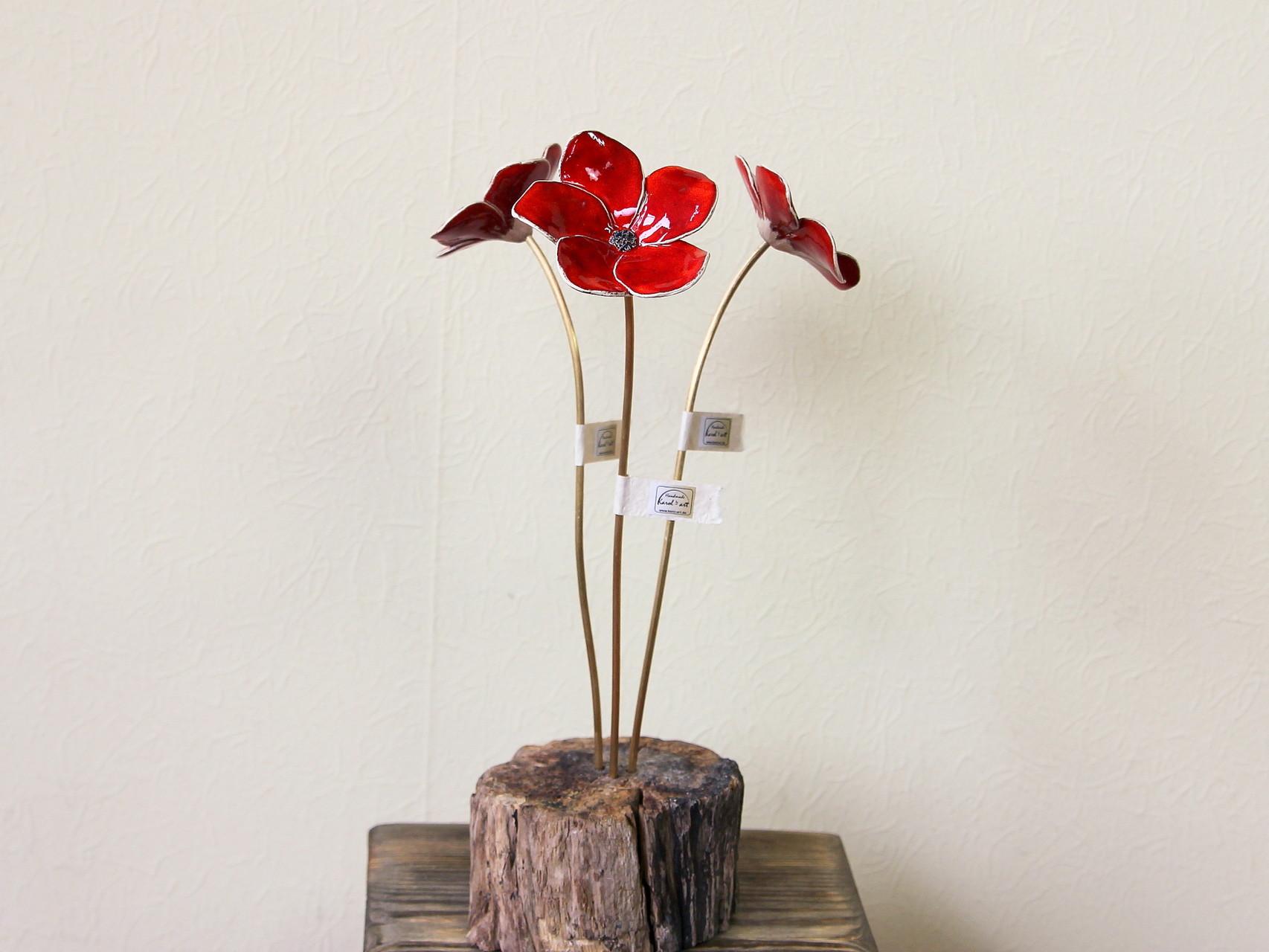 "Skulptur ""Rote Blumen"""
