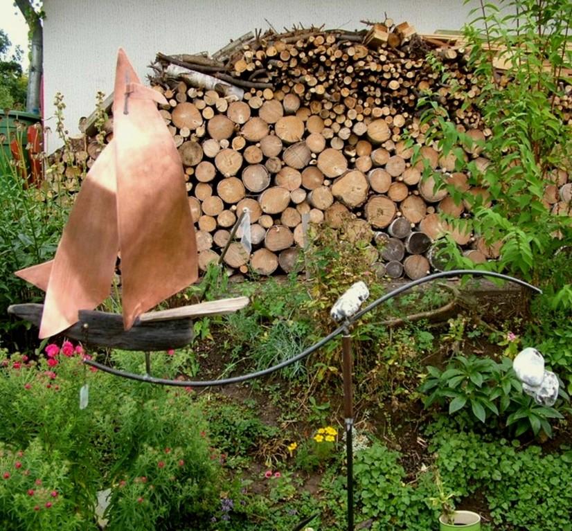 """Gartenkunst-Windspiel """"Schiff"""" (Schwemm-, Treibholz, Kupfer, Metall, Naturstein)"""