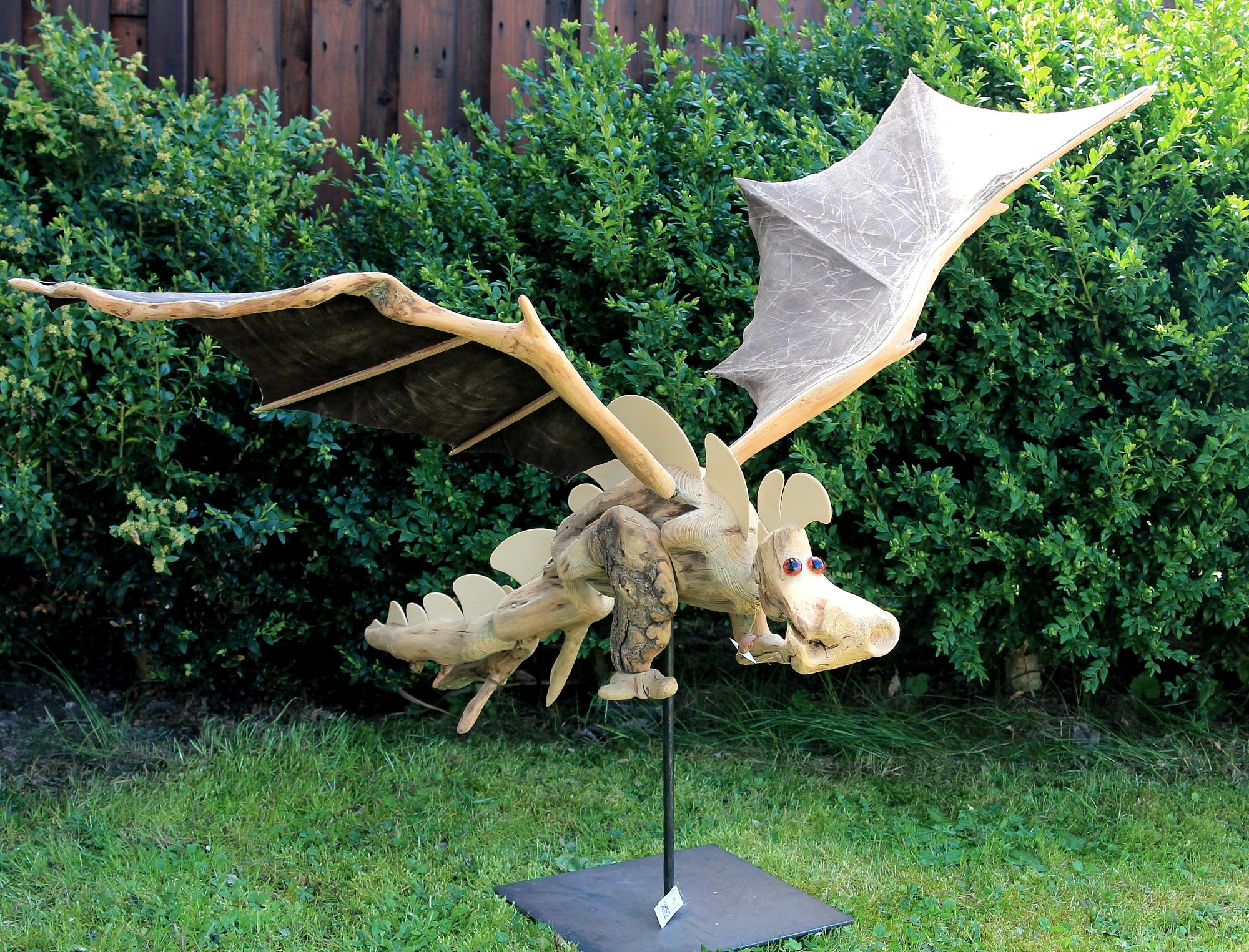 Saurier, Dino, Drachen, Fabelwesen, Holzskulptur