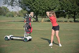 Zügiges Spiel mit dem GolfBoard - © GC St. Leon-Rot