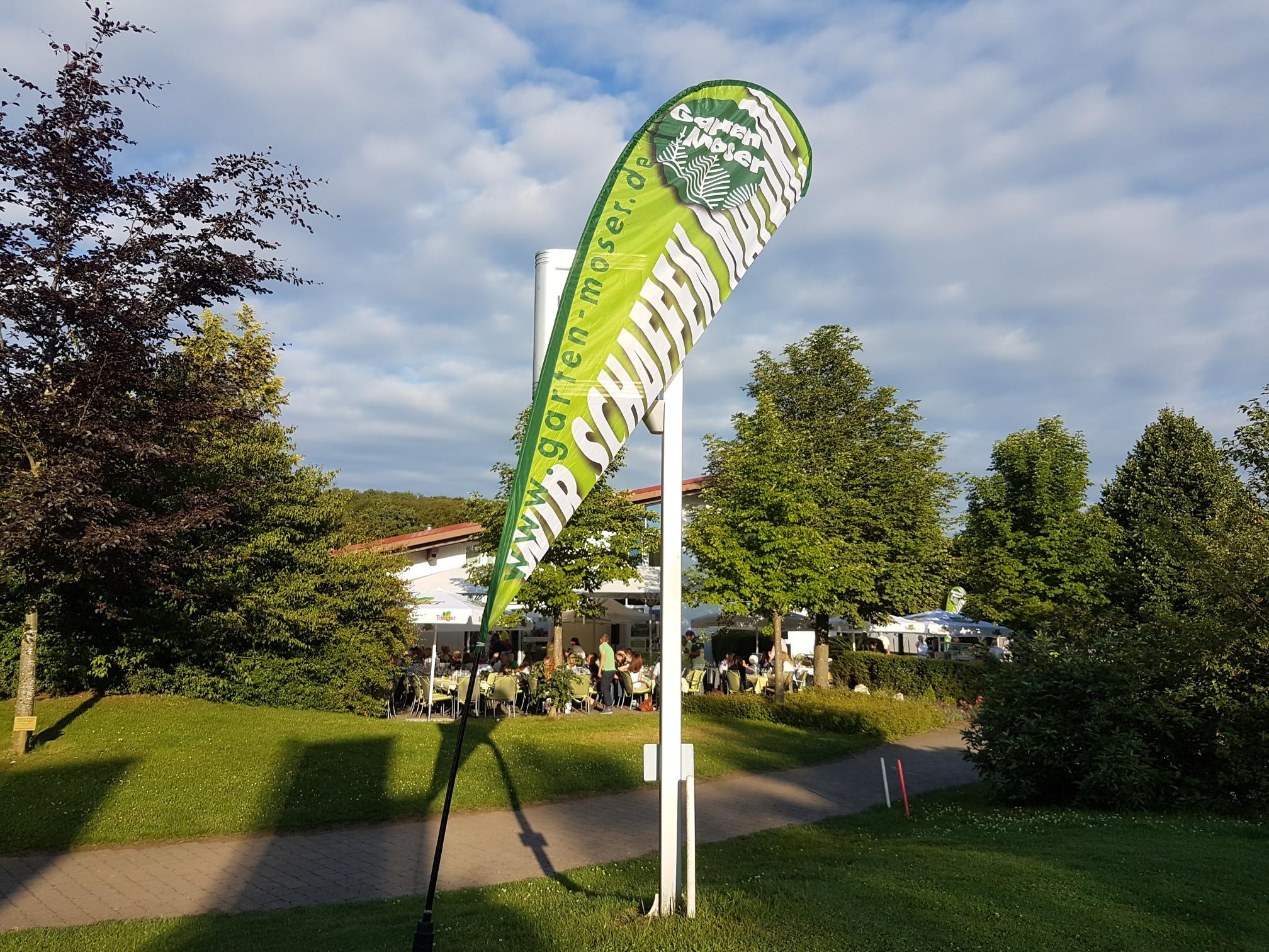 Unverkennbar: Hier läuft das Garten-Moser-Turnier. Zum 8. Mal veranstaltete die fürs Greenkeeping in Sonnenbühl verantwortliche Firma am 16. Juli 2017 einen sportlichen Wettkampf über 18 Bahnen auf dem top-gepflegten Meisterschaftsplatz am Biosphärengebie