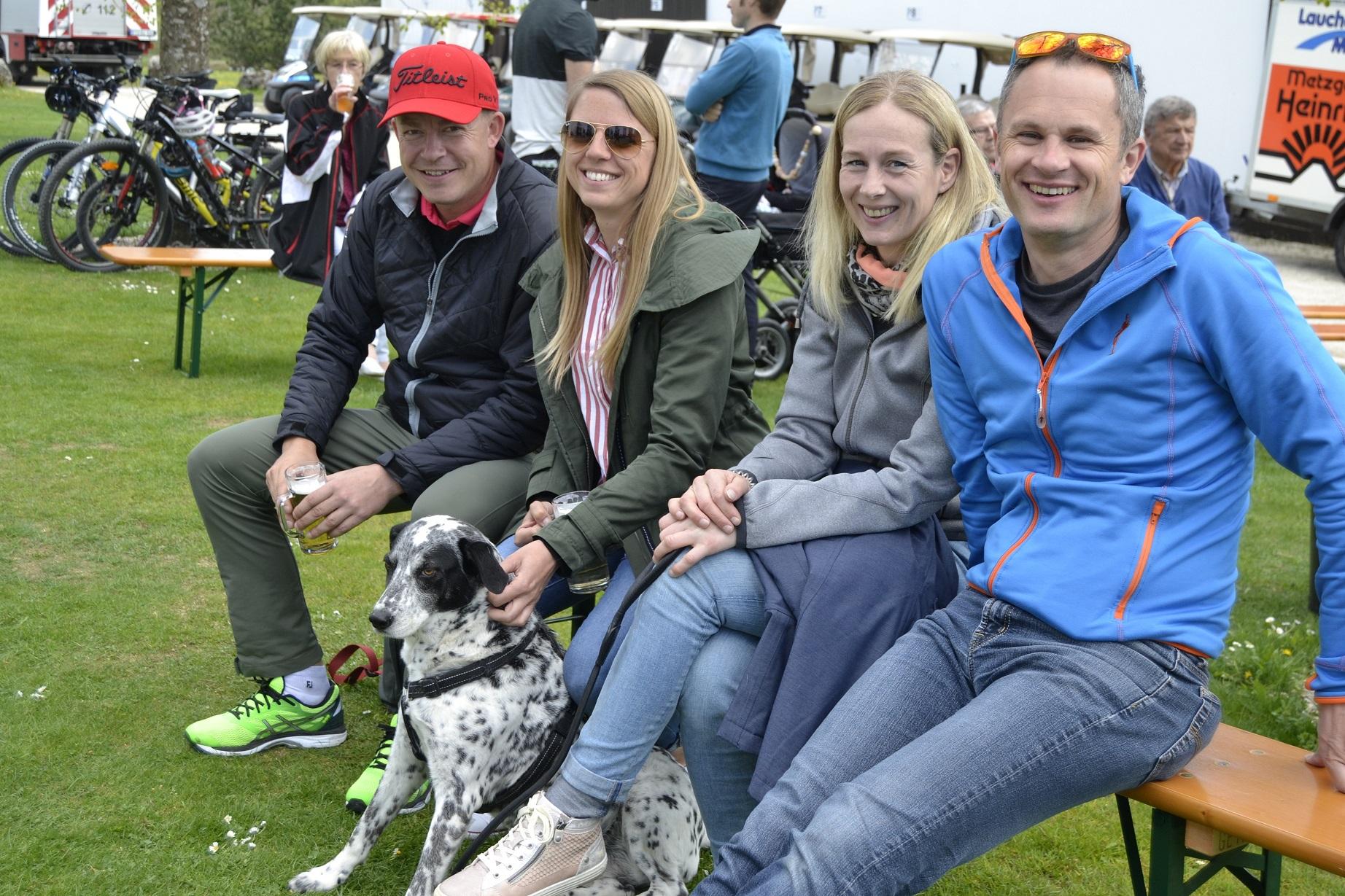 Über den 1. Mai kamen rund 500 Besucher zum Fest -  manche auch mit tierischen Begleitern - © Golfclub Reutlingen-Sonnenbühl e.V.