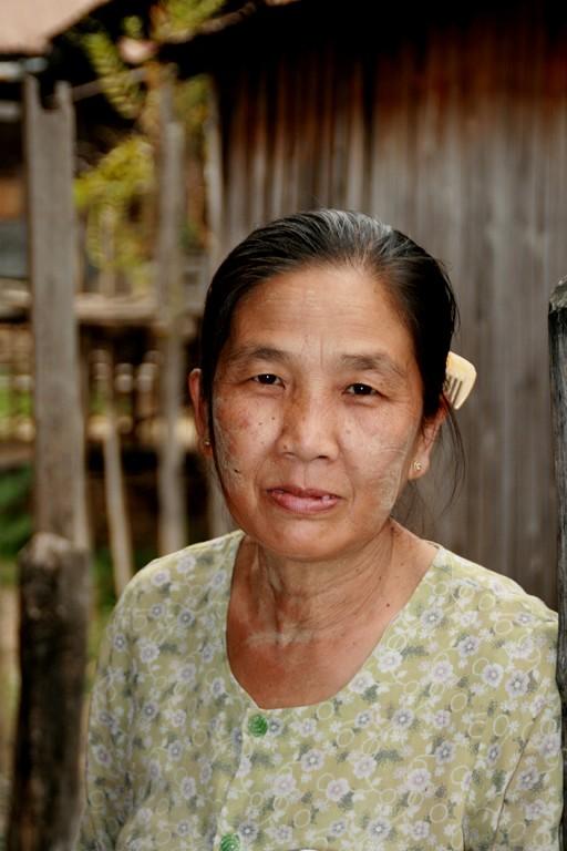 Village de KHAUNG DAING à INLE.