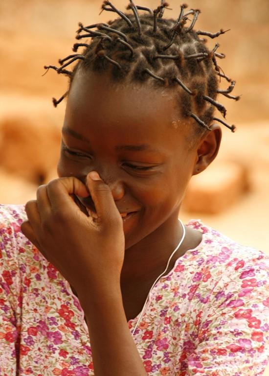 Marie, 14 ans vit dans un orphelinat à BOBODIOULASSO.
