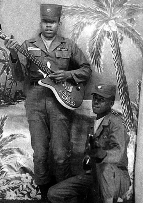 it was a Danelectro-made Silvertone and thanks god he didn`t stay in the army. He had a better way to conquer the world!