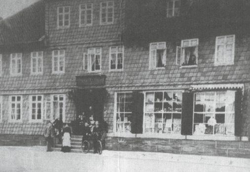 Steinweg Nr. 6 • um 1900