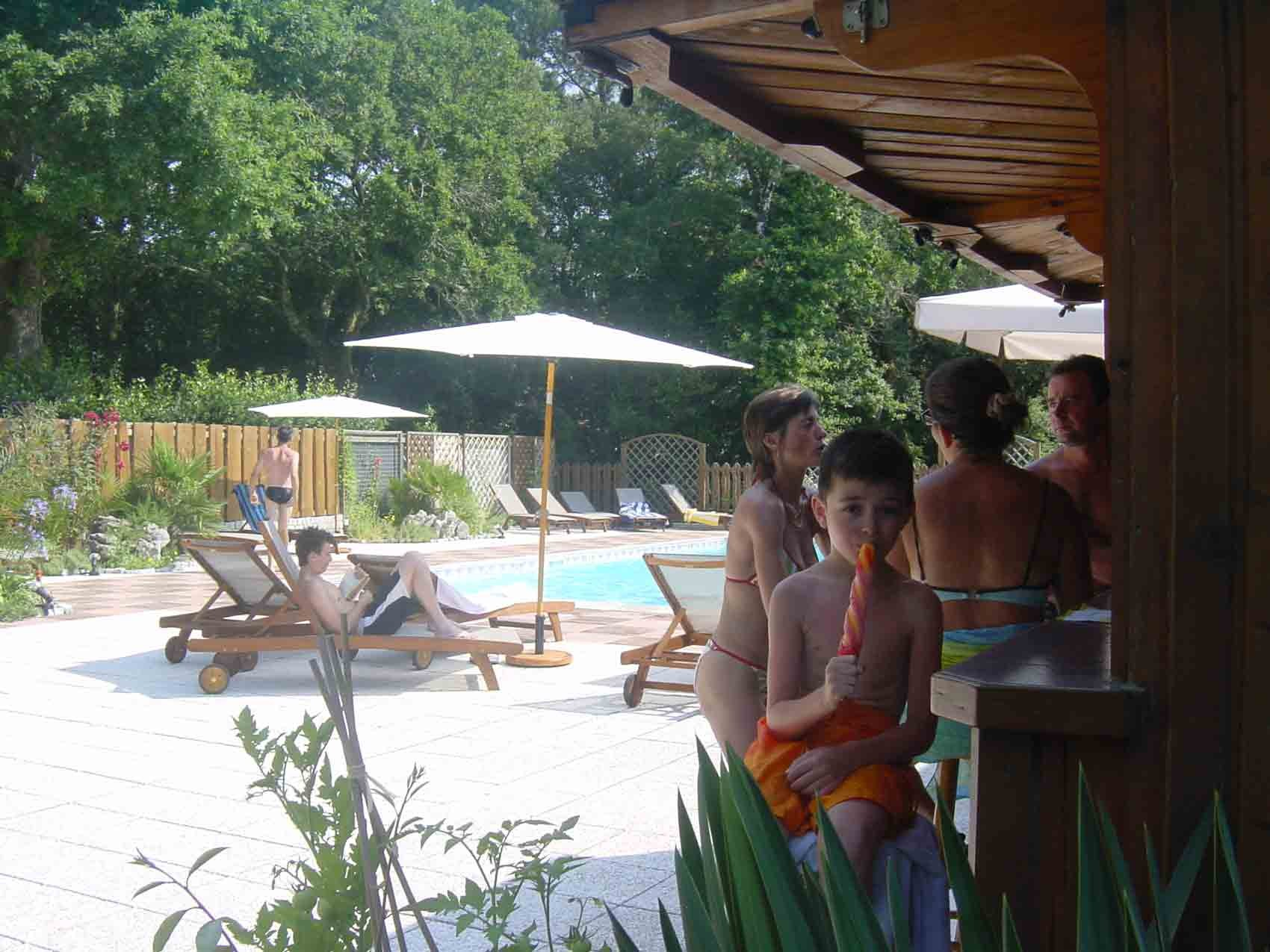 LOCATION VACANCES FAMILLE LANDES PISCINE CHAUFFEE