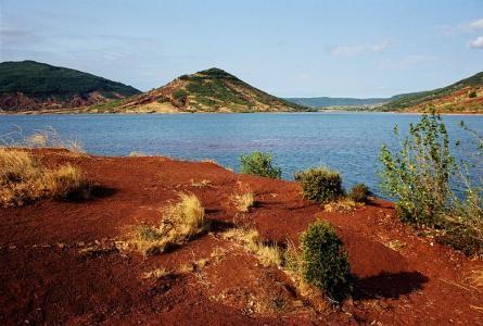 Le Lac du Salagou à 20 minutes